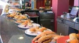 Qué hacer cerca de Irún El Hotel Aitana dispone de restaurante con dos comedores